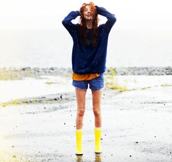 look raining boots 1