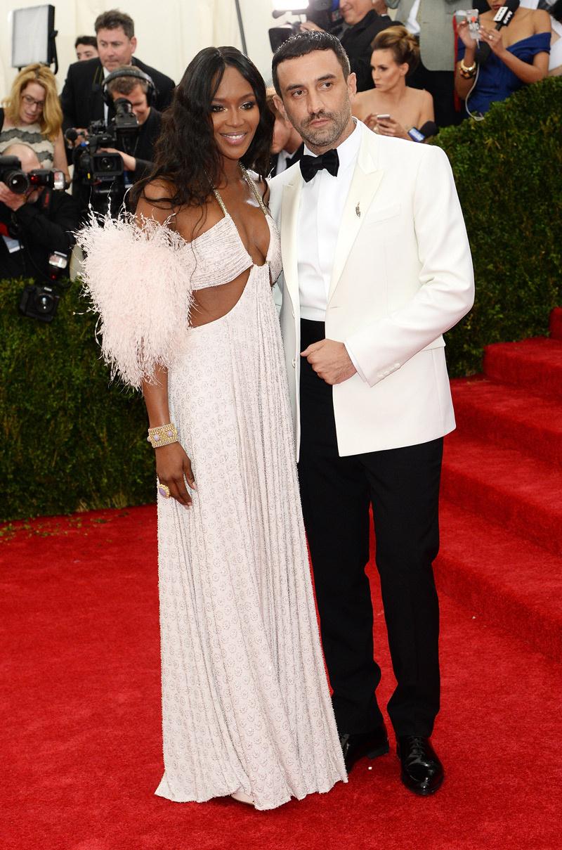 Naomi Campbell y Riccardo Tisci_Met_2014